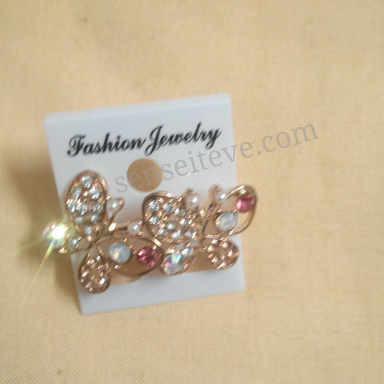 Accessories_Butterfly earrings