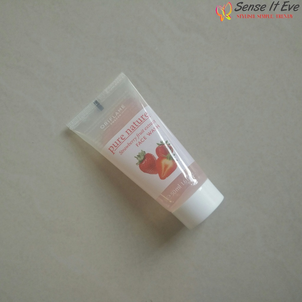 Oriflame Pure Nature Strawberry Fruit Extract Facewash