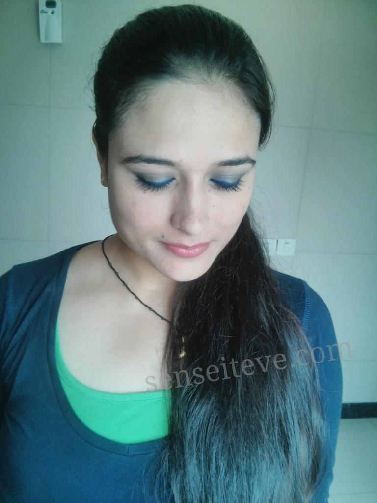 Blue green eyemakeup 2
