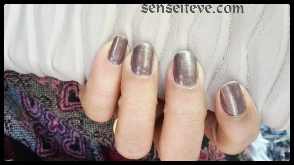 Maybelline Colorshow Nailpaint Burried Treasure swatch 2