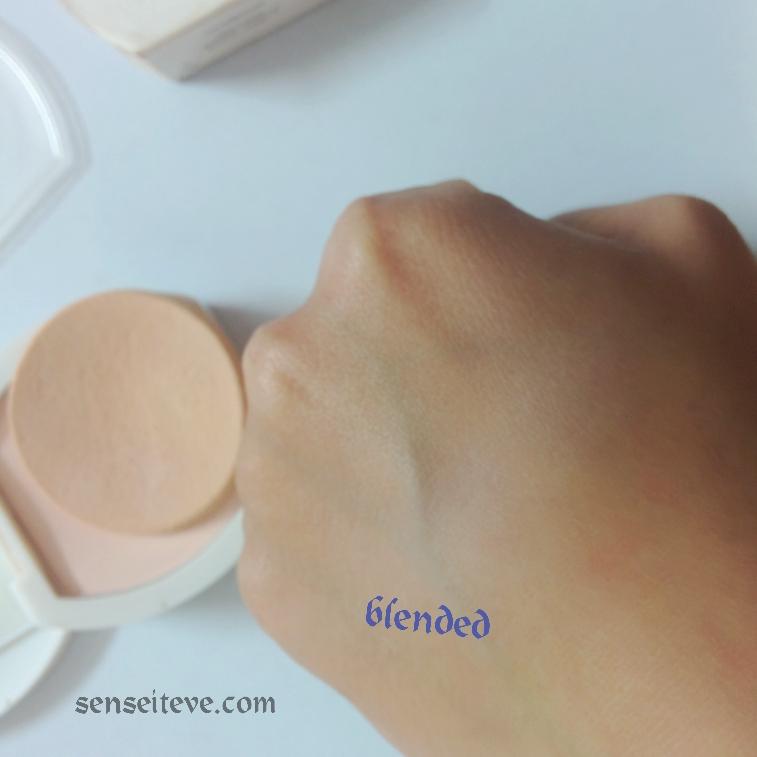 Oriflame Beauty Whitening Powder Foundation Coverage