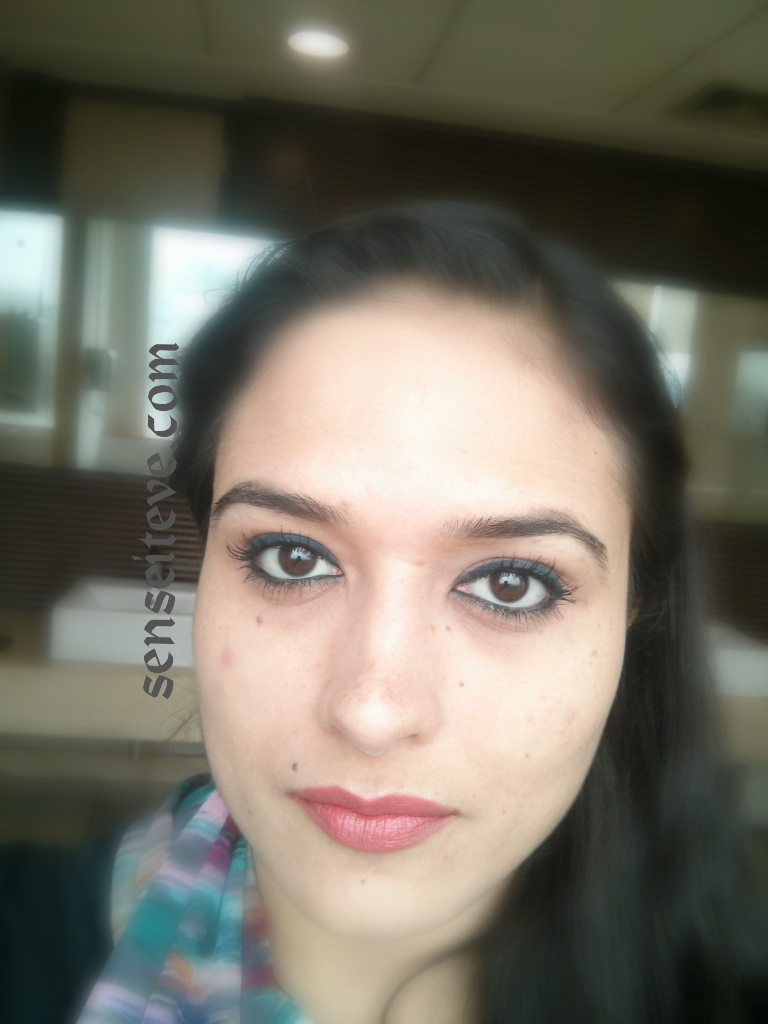 Oriflame Beauty Smooth Definer Swatches & Review_Grey & Blue FOTD
