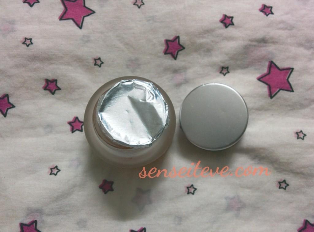 Iraya anti acne gel Review Packaging
