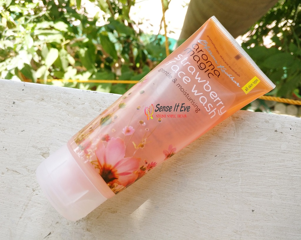 Aroma Magic Strawberry Facewash Review